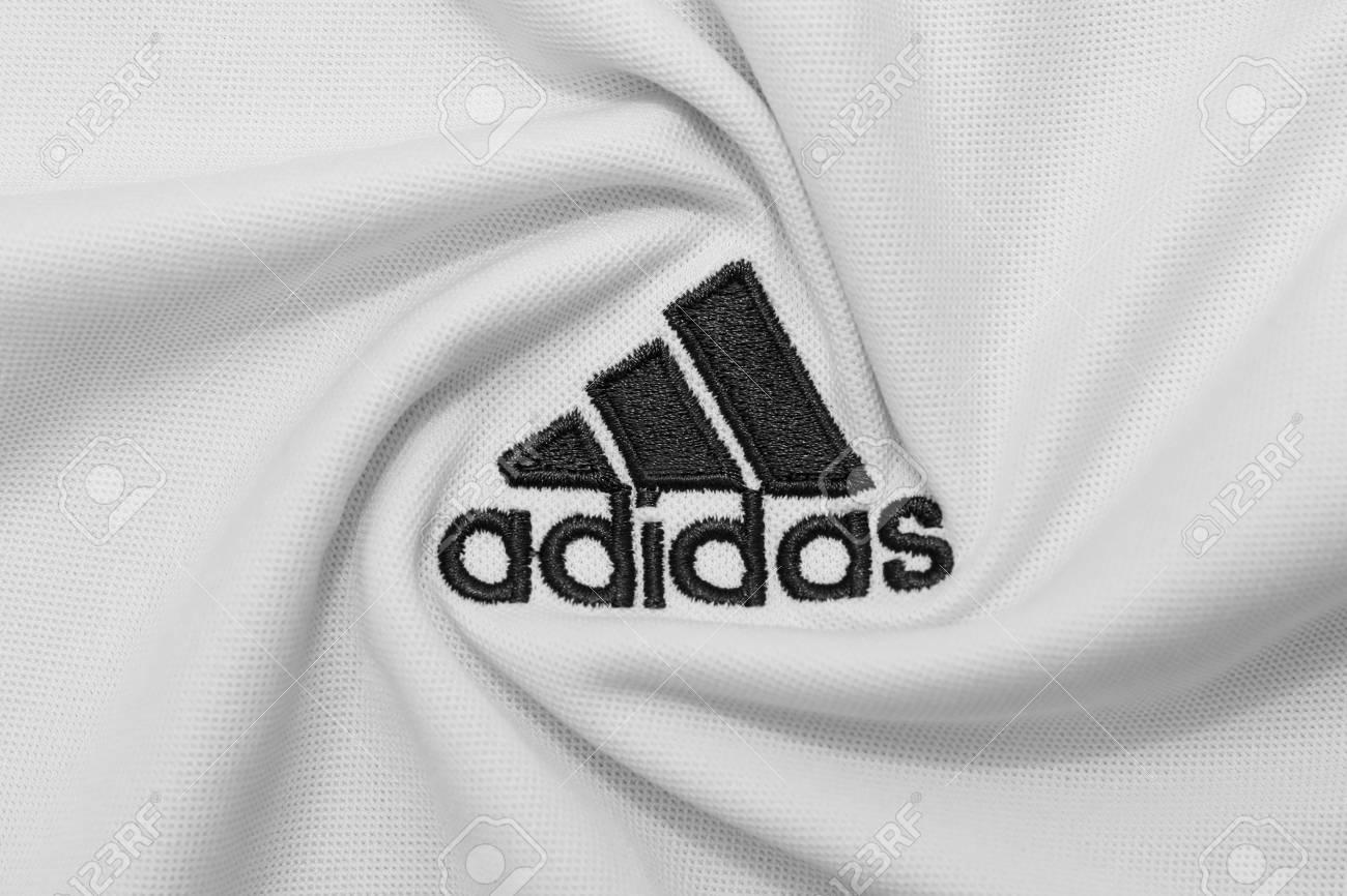 pómulo Montañas climáticas Tienda  BANGKOK, THAILAND - JULY 15: The Logo Of Adidas On Football.. Stock Photo,  Picture And Royalty Free Image. Image 82385196.
