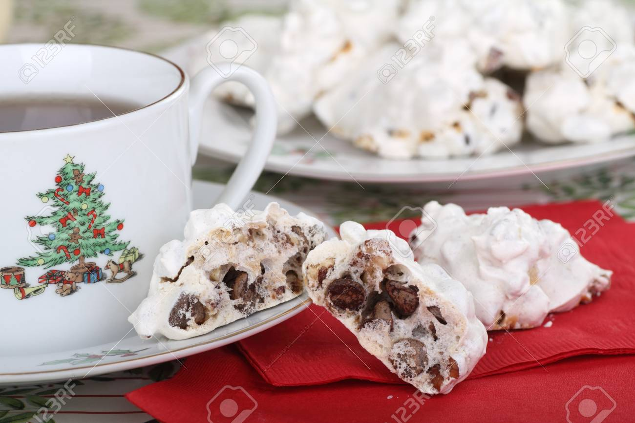 Cookie with chocolate chips and cup of coffee Stock Photo - 16522180
