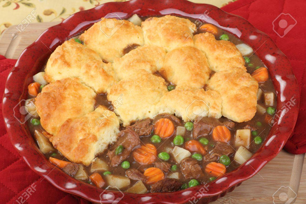 Beef pot pie with carrots, potatoes and peas Stock Photo - 17004601