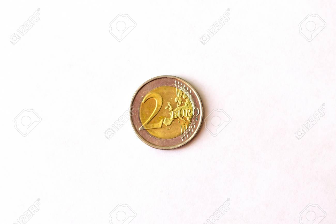 2 Euro Münze Münzwerte Zwei Euro Köpfe Und Schwänze Symbol Der