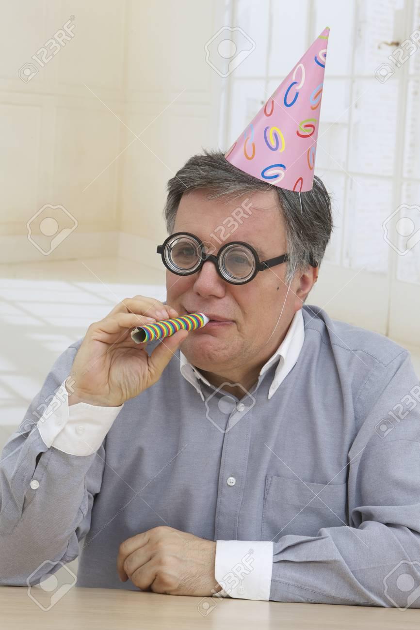 Alles Gute Zum Geburtstag Reifer Mann Mit Hut Partei Und Lustige