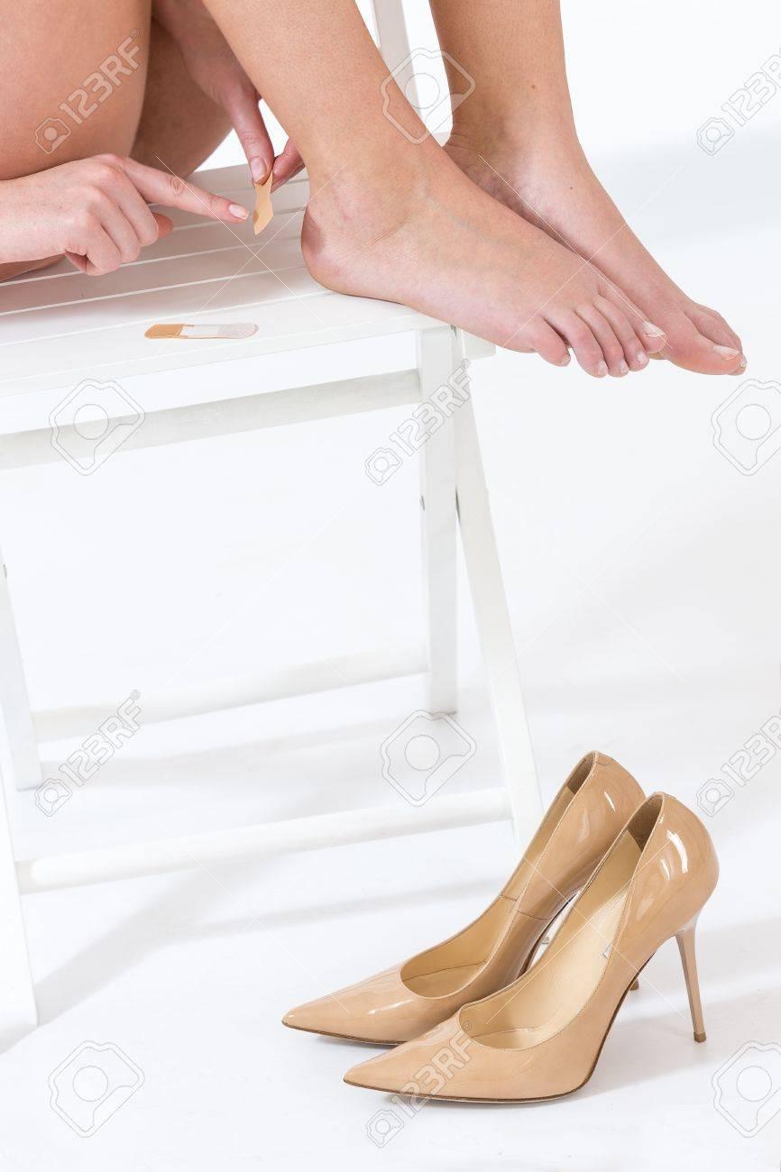 Usar Dolor Alto De Zapatos Que Después Tacón Tiene Hembra Ybv6mIf7yg