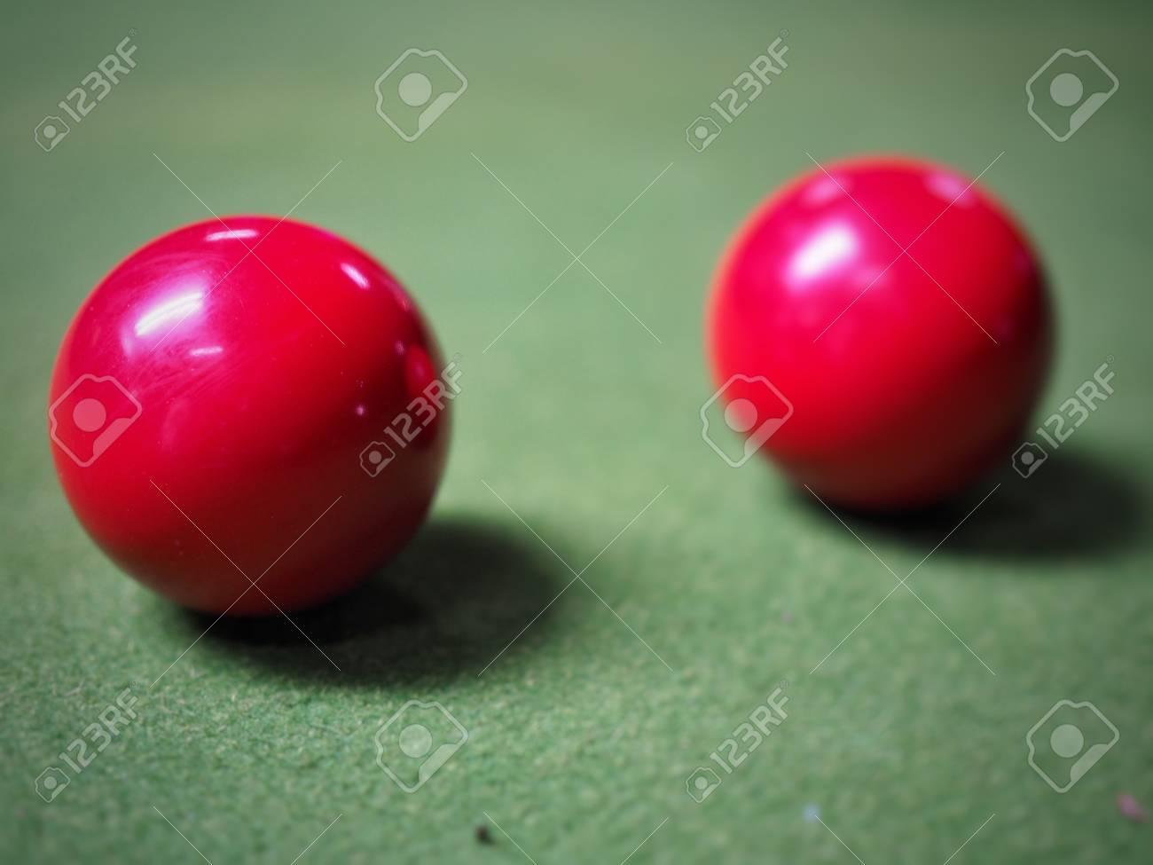 Boules de billard rouges Banque d'images - 79926984