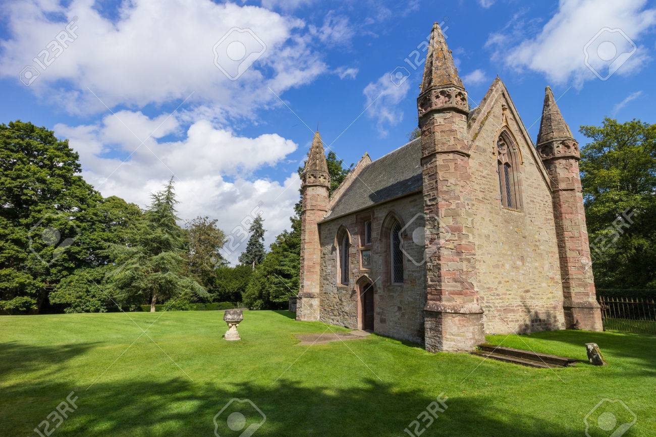 Chapel on Moot Hill, next to famous Scone Palace, where all Scottish kings and queens have been crowned at the Stone of Destiny - 31516463