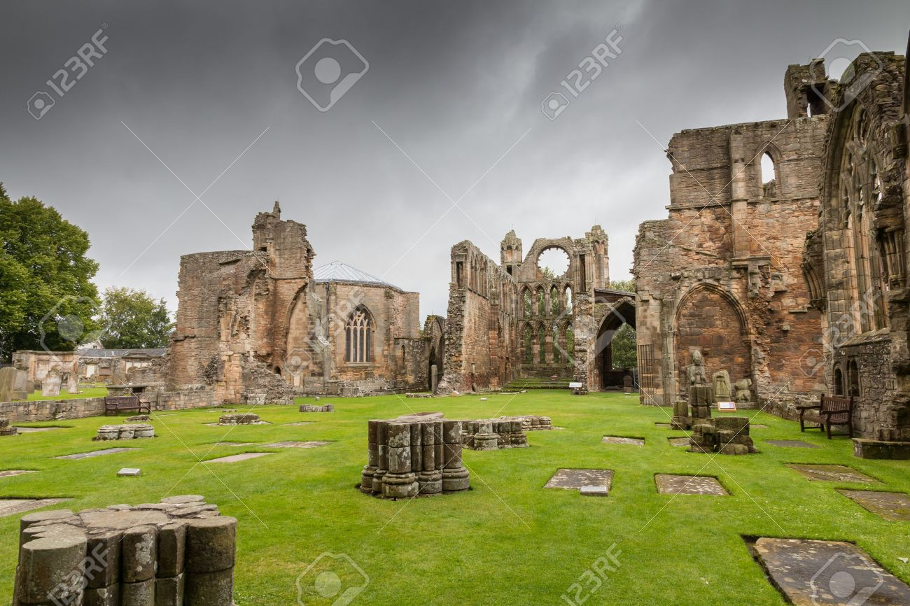 Elgin Cathedral, a medieval ruin in Scotland - 34858329