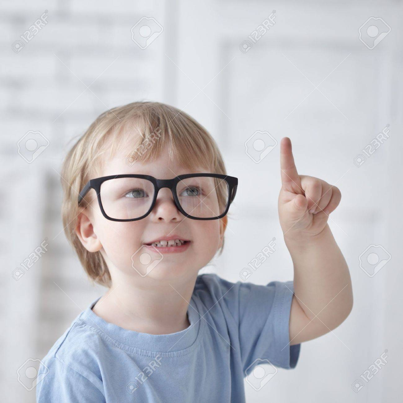 clever baby in glasses - 19382759