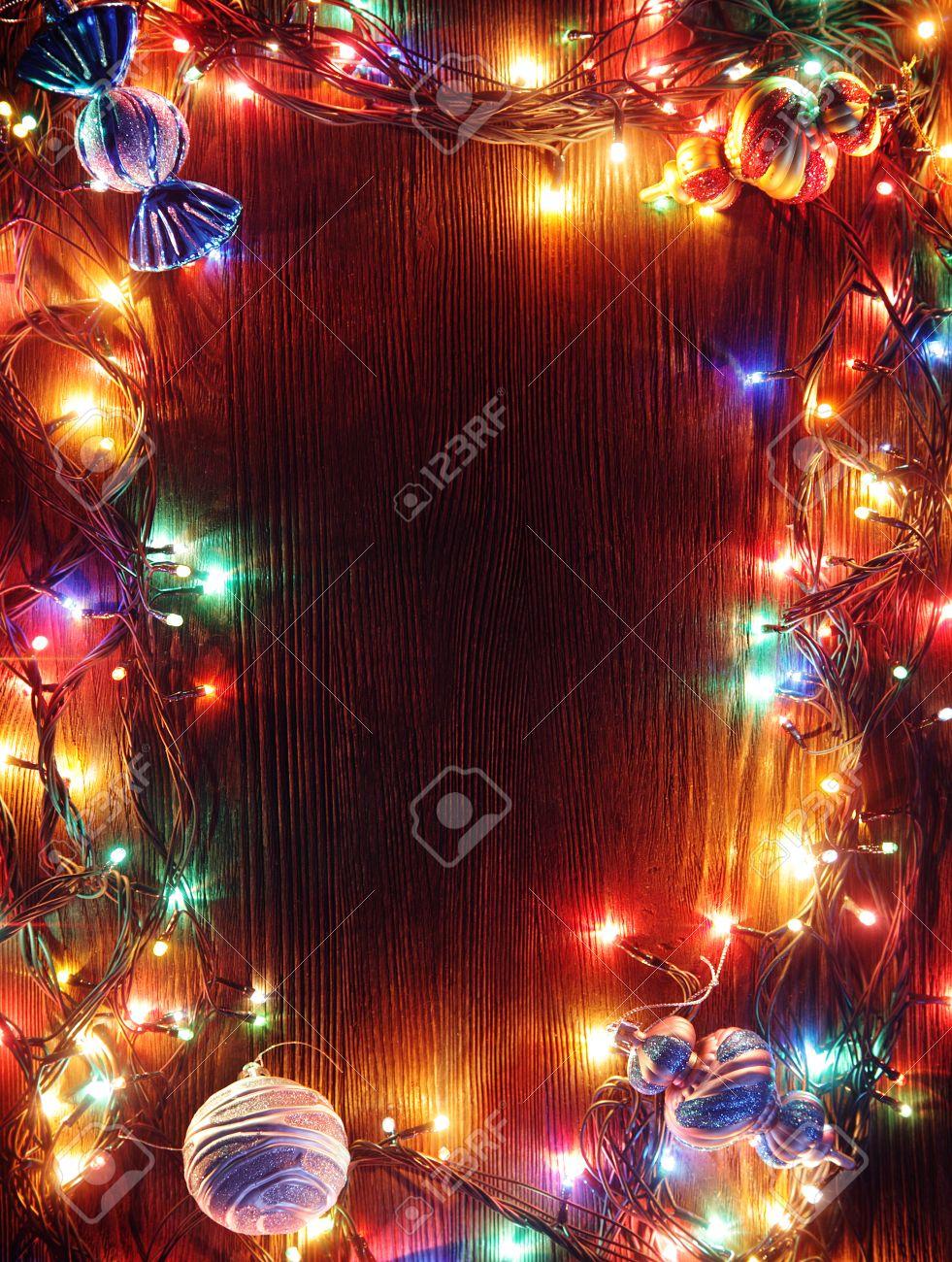 Afbeeldingsresultaat voor kerstversiering slingers en lampen