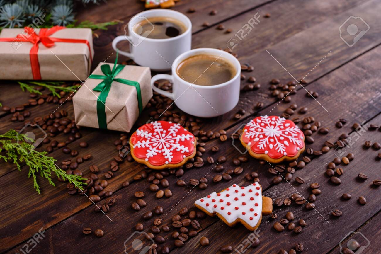 Coffee Christmas Morning.Christmas Morning With Fragrant Coffee Gifts Gingerbread And