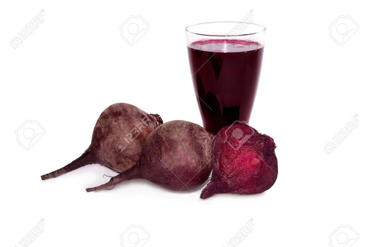 Fresh beets juice in glass Standard-Bild - 18390834