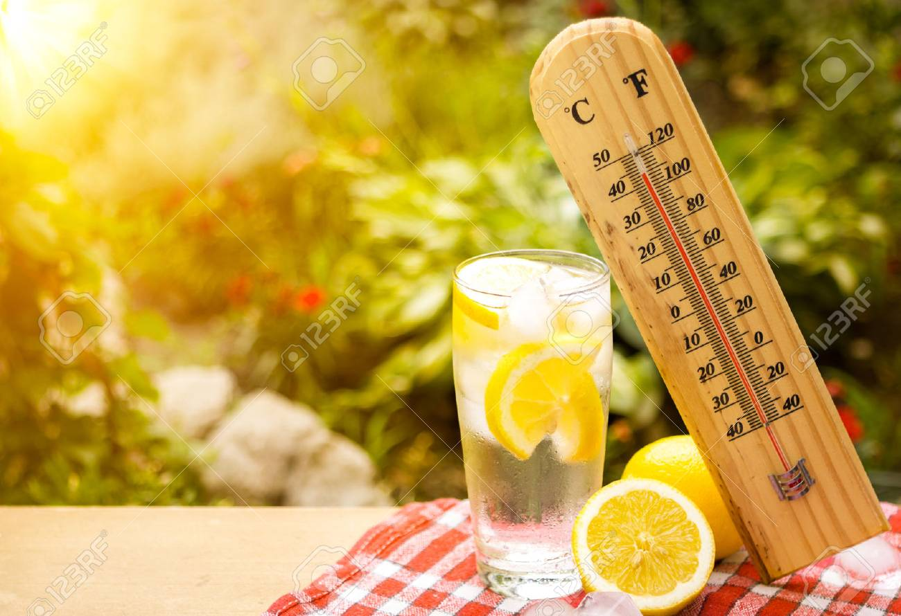 thermometer shows a high temperature during heat wave - 71338370