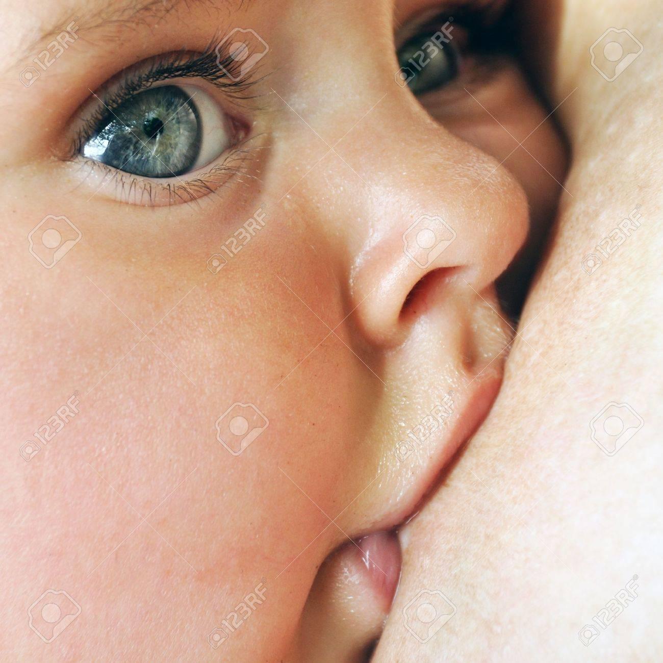 breastfeeding Stock Photo - 10269879