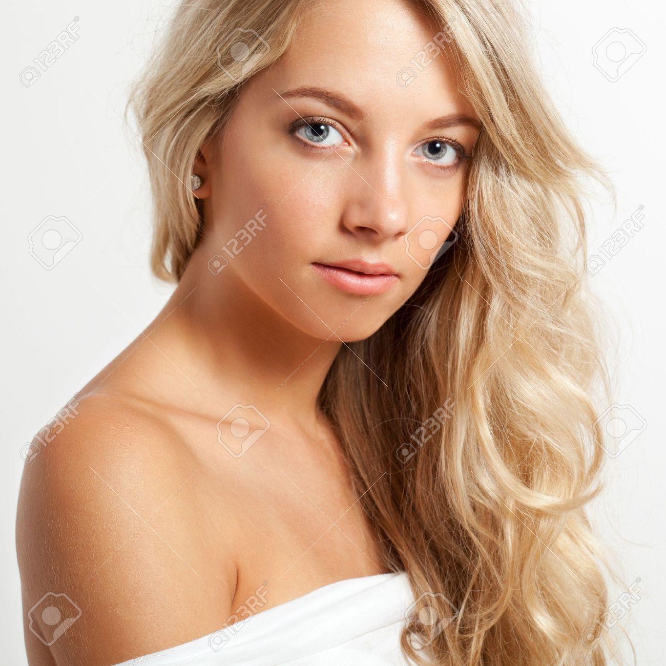 Schöne Blonde Frau Nahaufnahme Gesicht Porträt, Quadratischen Rahmen ...
