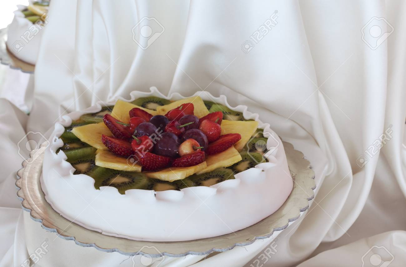 Wedding cake Stock Photo - 13638202