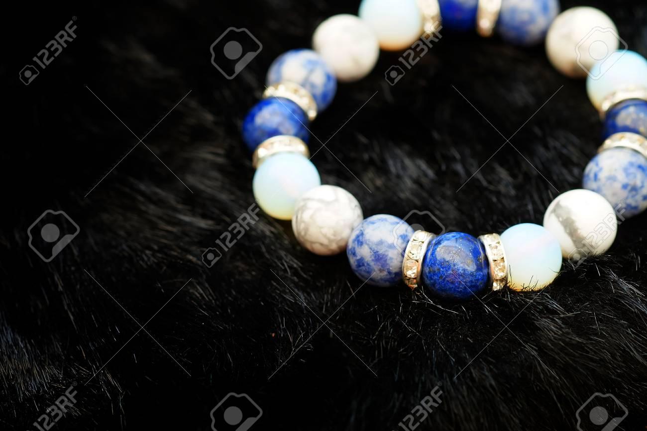 Howlite and Lapis stones bracelet