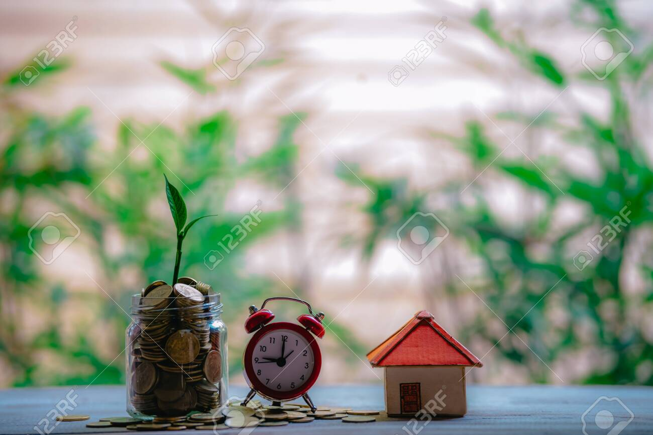 Money Saving Ideas for Homes, Financial and Financial Ideas, Saving Money in Preparing for the Future, Growing Up of Coins - 122398525