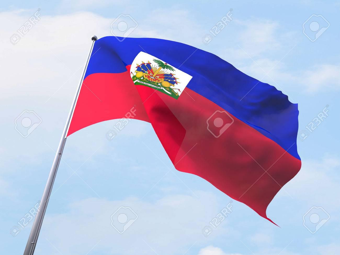 Bandera De Haití Que Vuelan En El Cielo Claro. Fotos, Retratos ...