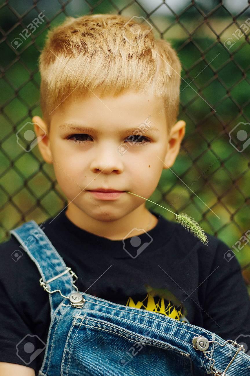 blonde haare braune augen