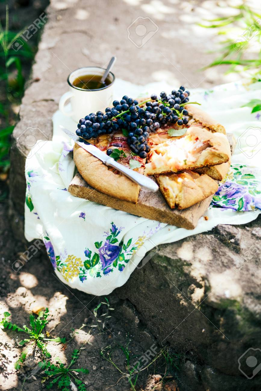 Torte Mit Fruchten Und Marzipan Kuchen Mit Frischen Birnen Und