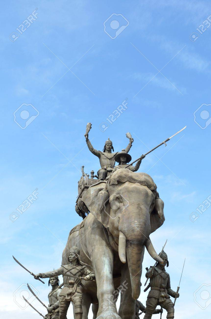The elephant statue in the blue sky,Monument of King Naresuan at Suphanburi province in Thailand Stock Photo - 17116425