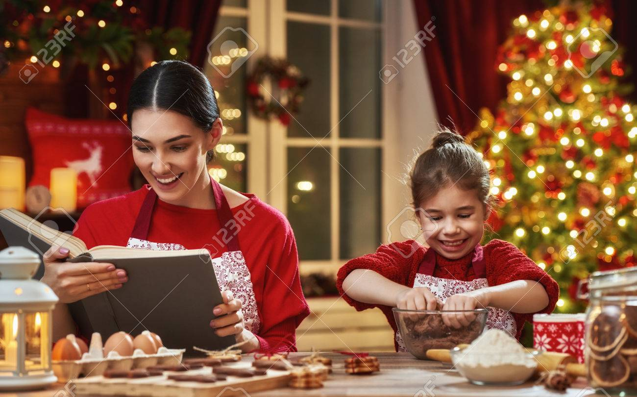 Merry Christmas And Happy Holidays. Family Preparation Holiday ...