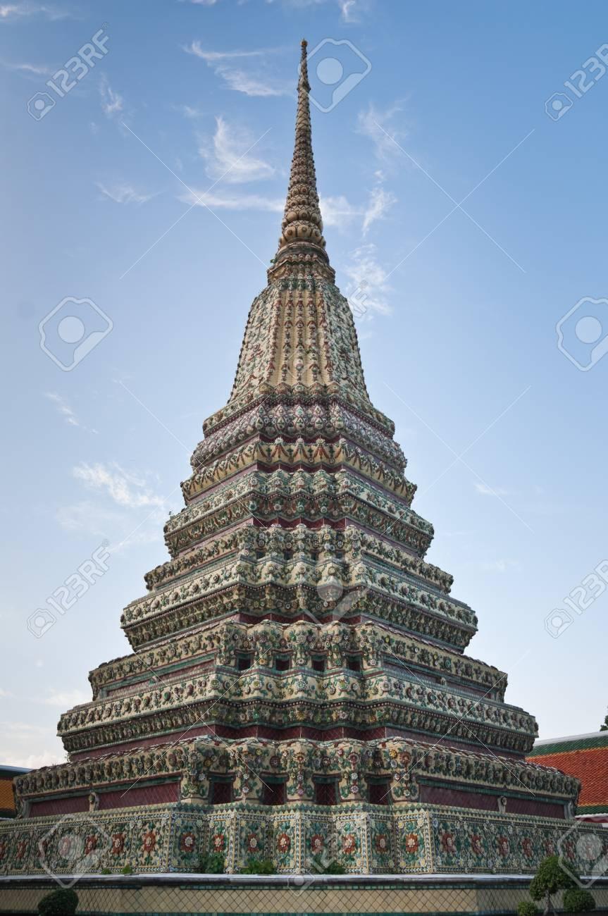 バンコク、タイの仏教の仏塔 の写真素材・画像素材 Image 15306441.