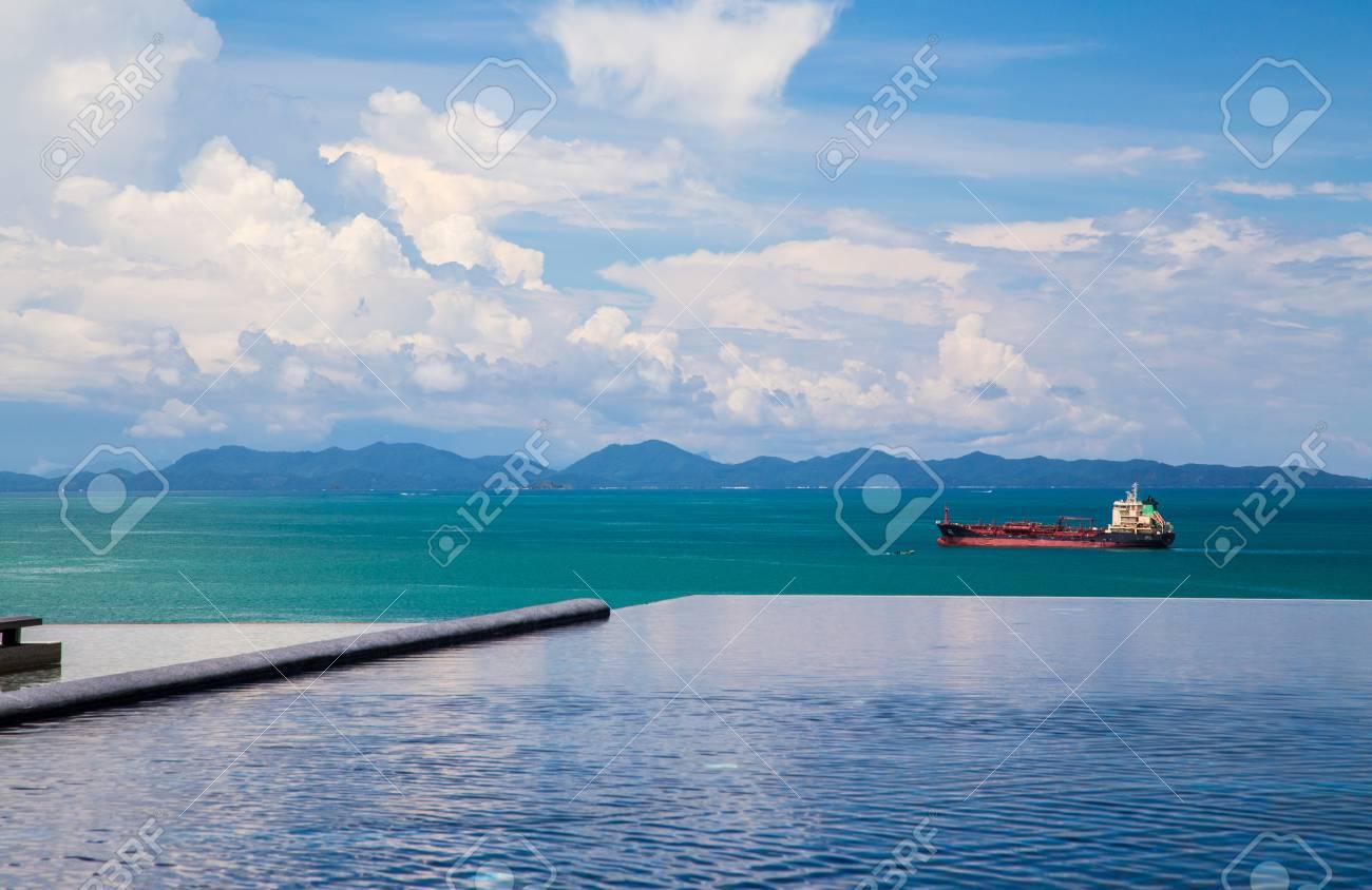 Piscine Pres De La Mer A Cape Panwa Phuket Thailande Banque D