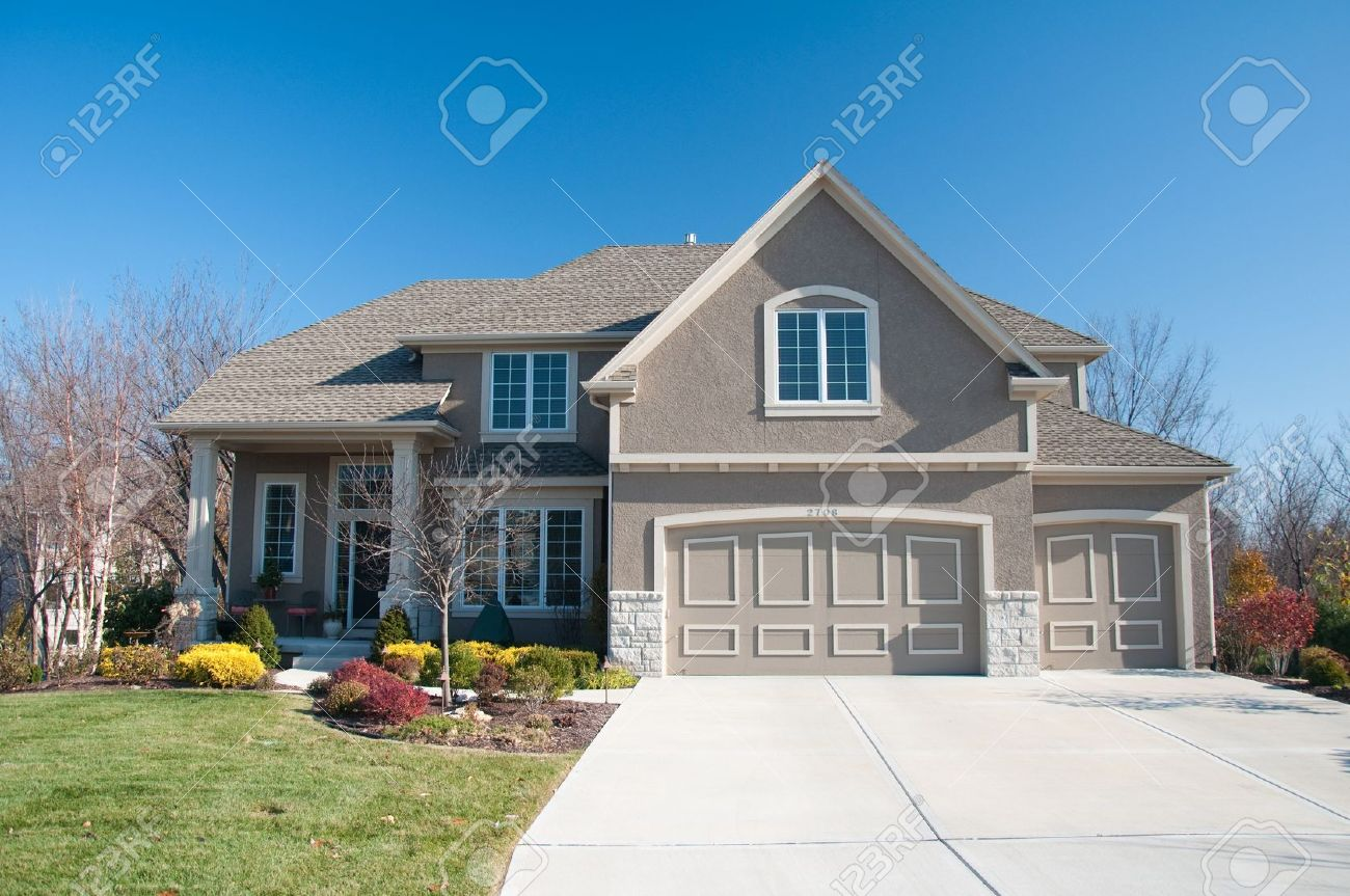 Living In America  Average Size Family Home Stock Photo
