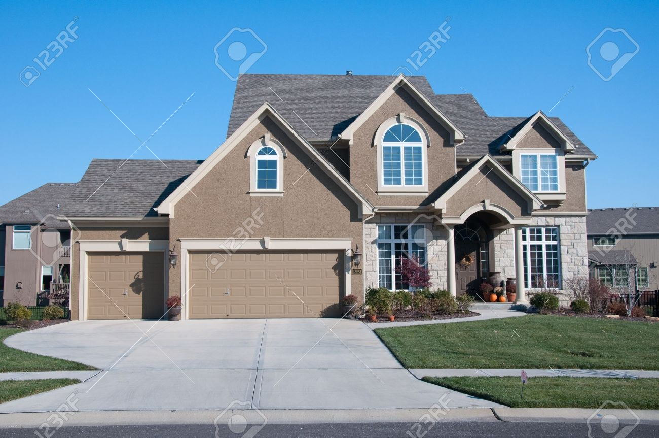 American average home living in the suburbs Stock Photo - 4172961