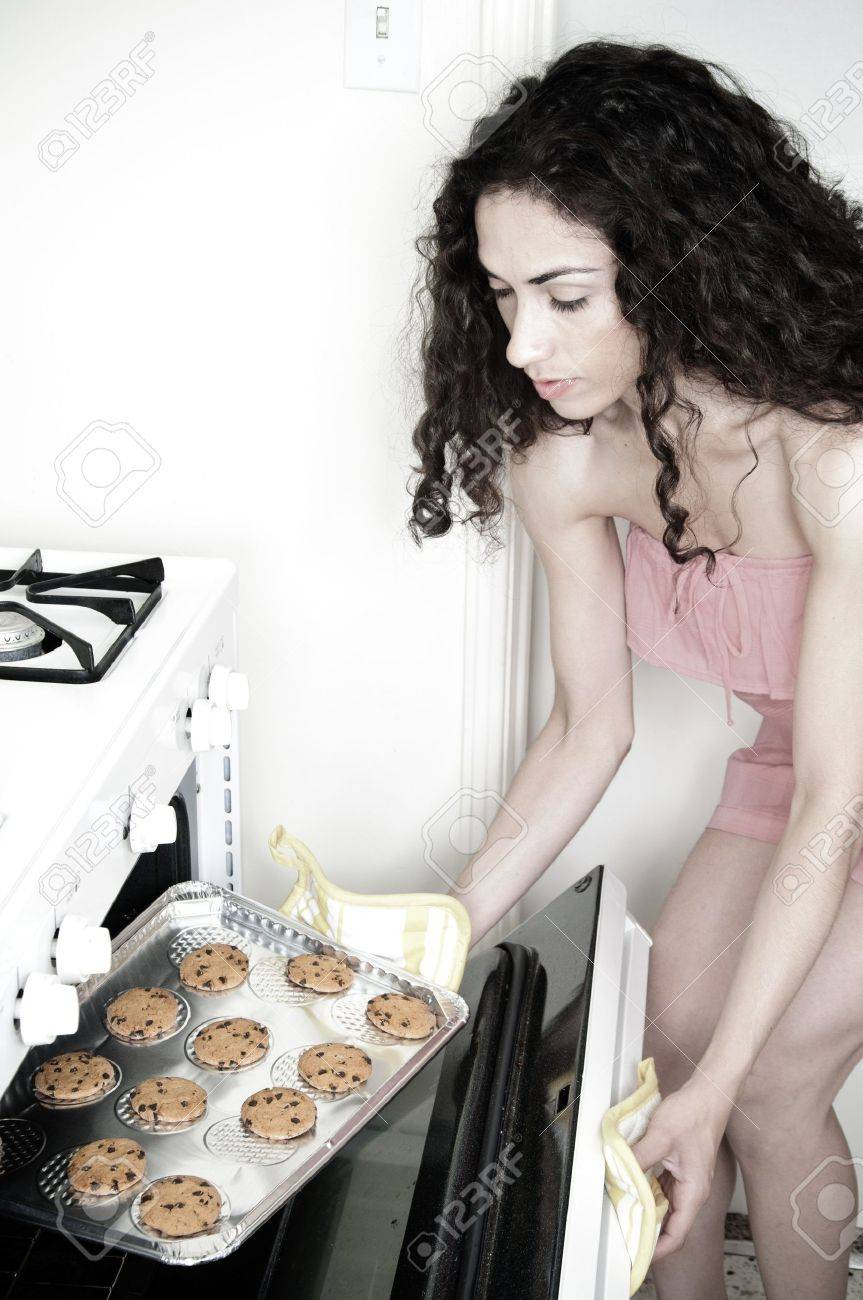 Schone Frau Kuchen Backen Und Platzchen In Einem Weissen Haus