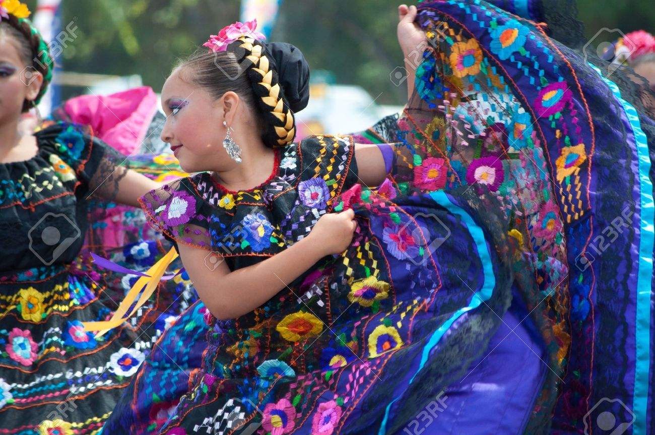 COSTA MESA, CA - JULY 24: Unidentified Mexican dancers perform in traditional costumes on stage at the Orange County State Fair in Costa Mesa, CA on July 24th 2010. Stock Photo - 15132510