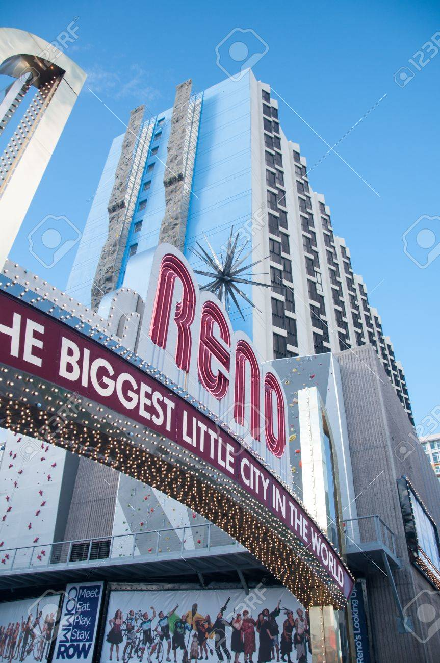 RENO - OCTOBER 16TH, 2011 : The original sign was built in 1926 to promote the Nevada Transcontinental Highway Exposition. The sign was last replaced in 1987. Stock Photo - 16206093