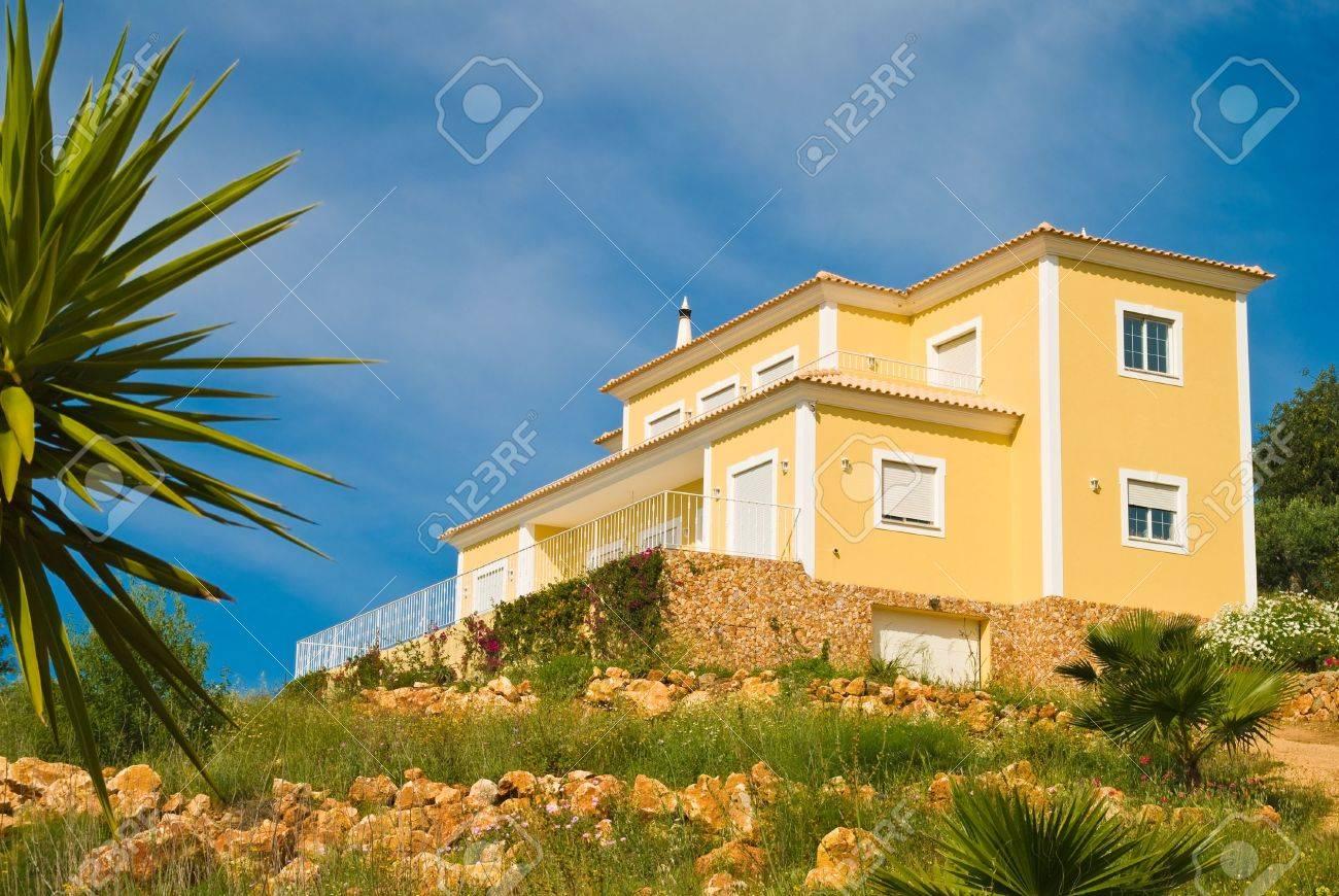 Luxury European holiday property Stock Photo - 3772963
