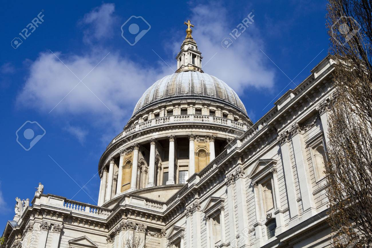 Looking up at the impressive St. Paul's Cathedral in London. Stock Photo - 19411774
