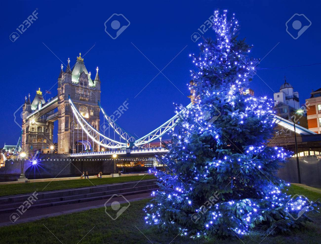 LONDON, UK - 19TH DECEMBER 2014: A beautiful view of Tower Bridge during Christmas time in London on 19th December 2014. - 34780966
