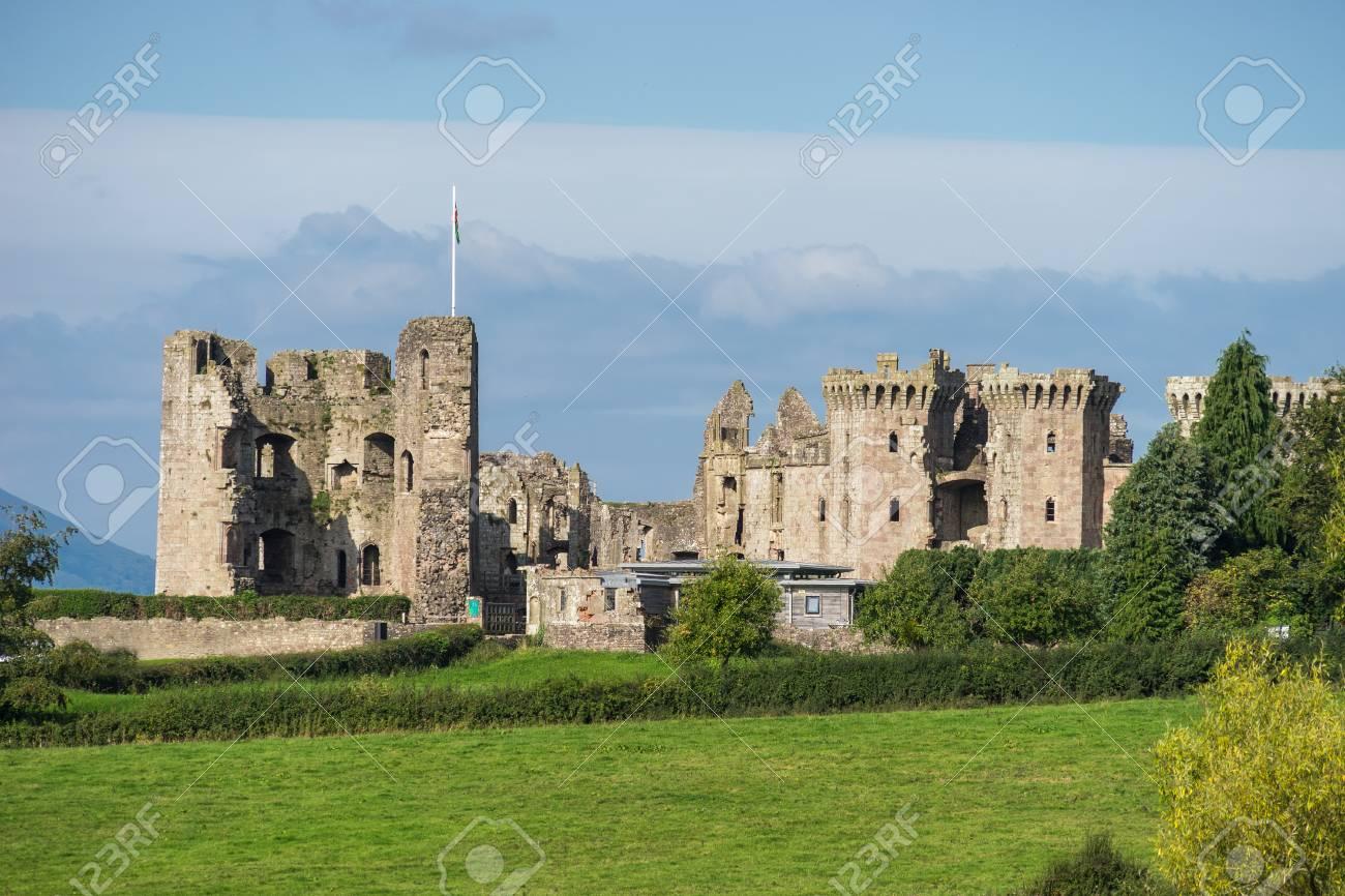イングランド内戦の間に廃墟と化してラグラン城モンマスシャー ...