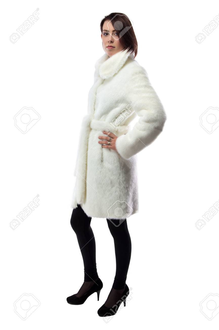 new concept 94fee b14cf Immagine di donna in pelliccia bianca, si voltò su sfondo bianco
