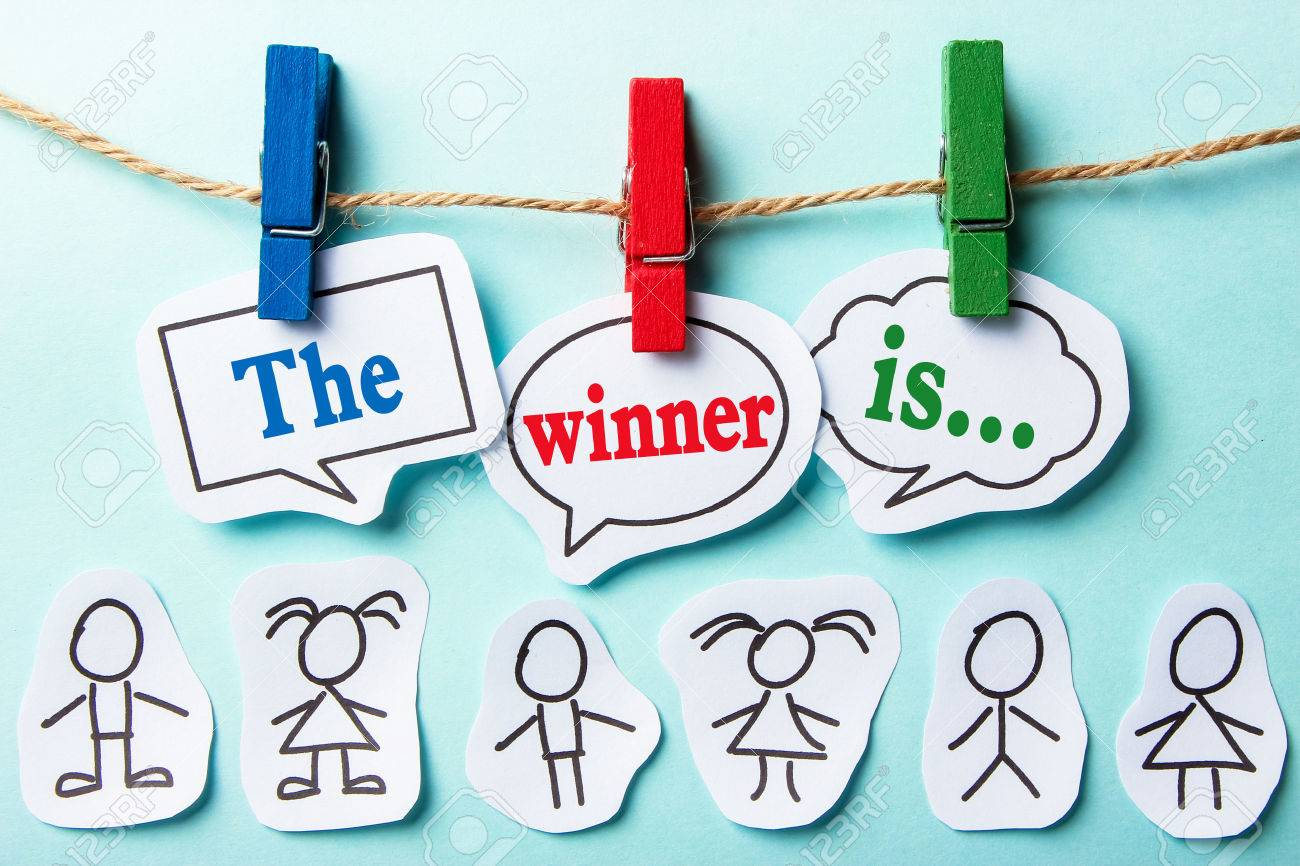 The winner is paper speech bubbles with paper people - 44379298
