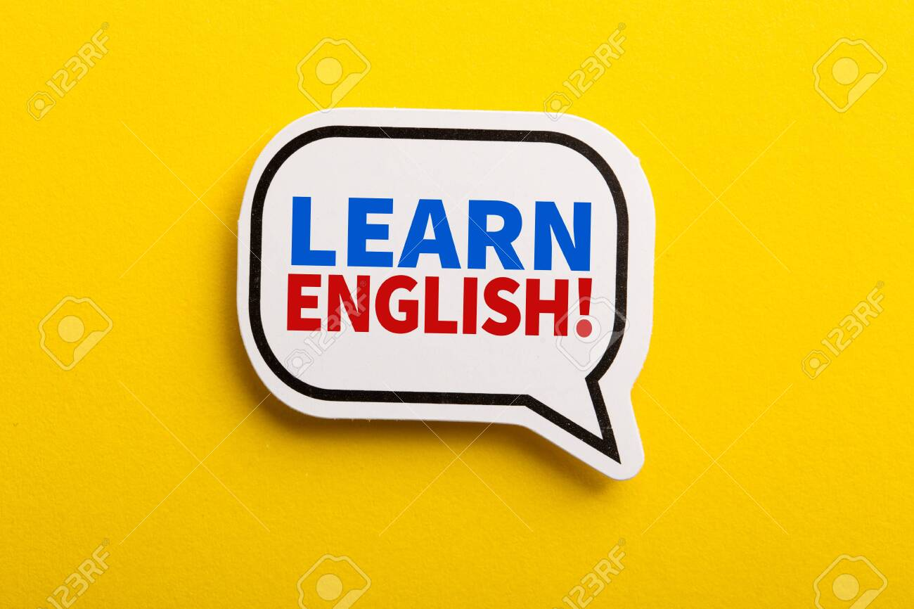 Learn English speech bubble isolated on the yellow background. - 152379838