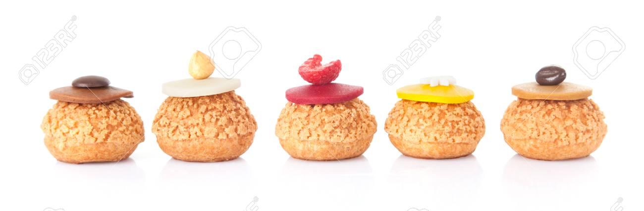 Funf Farbe Kuchen Franzosisch Geback Isoliert In Weissem Hintergrund