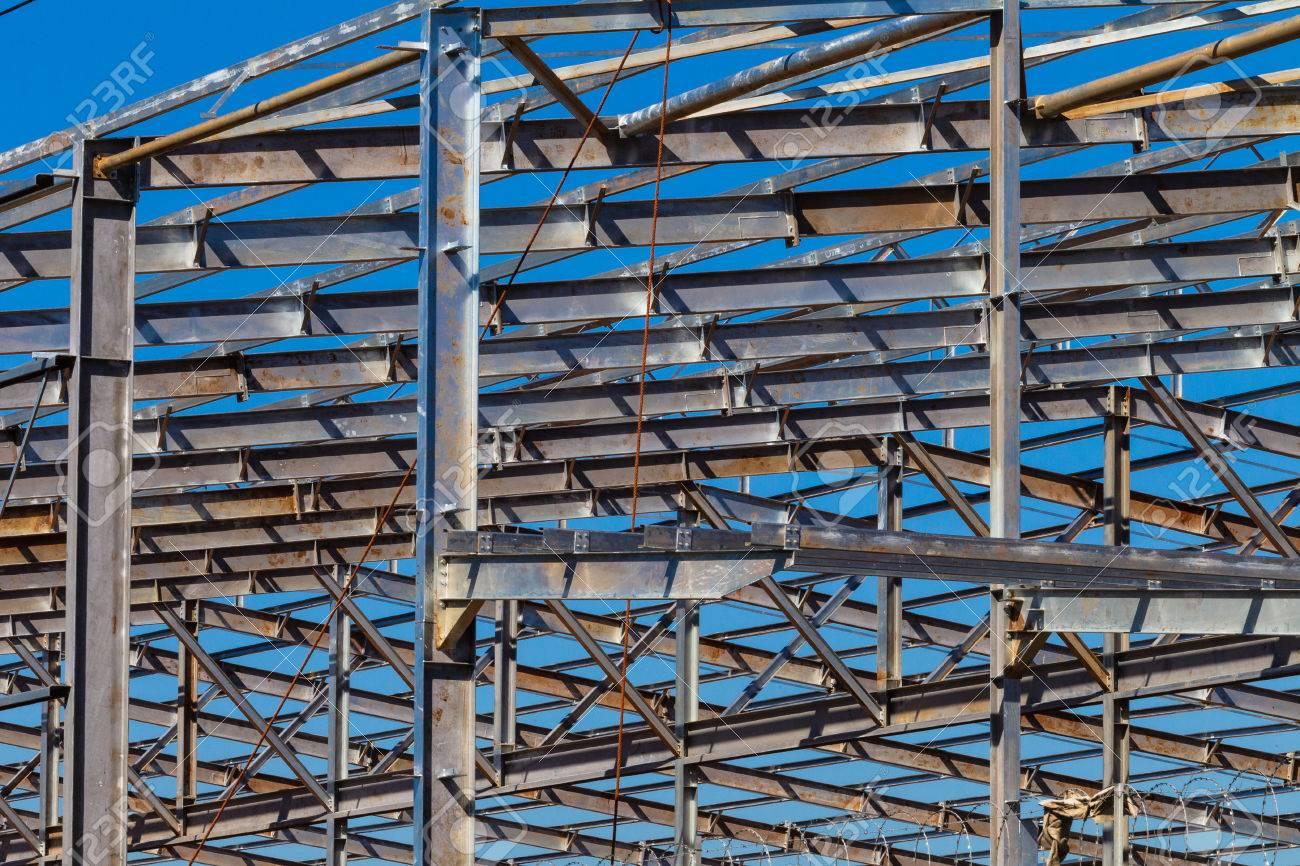 Estructura De Marco De Acero Del Metal Del Almacn Del Edificio En