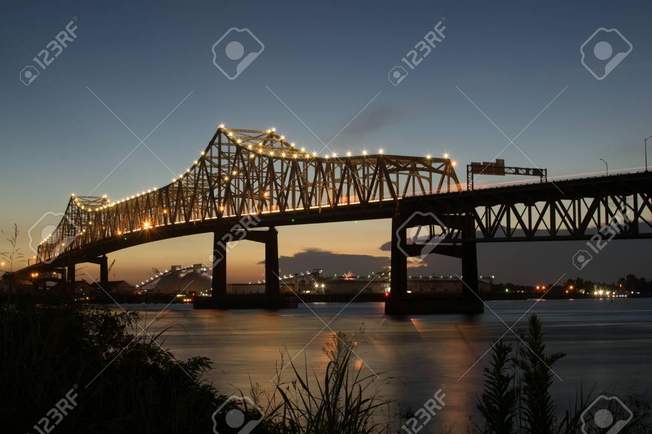 Mississippi River Bridge Baton Rouge - 87618789