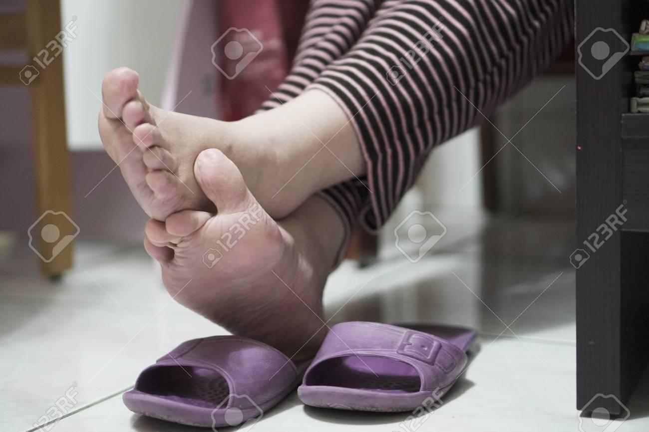 Girl pics of asian womans feet