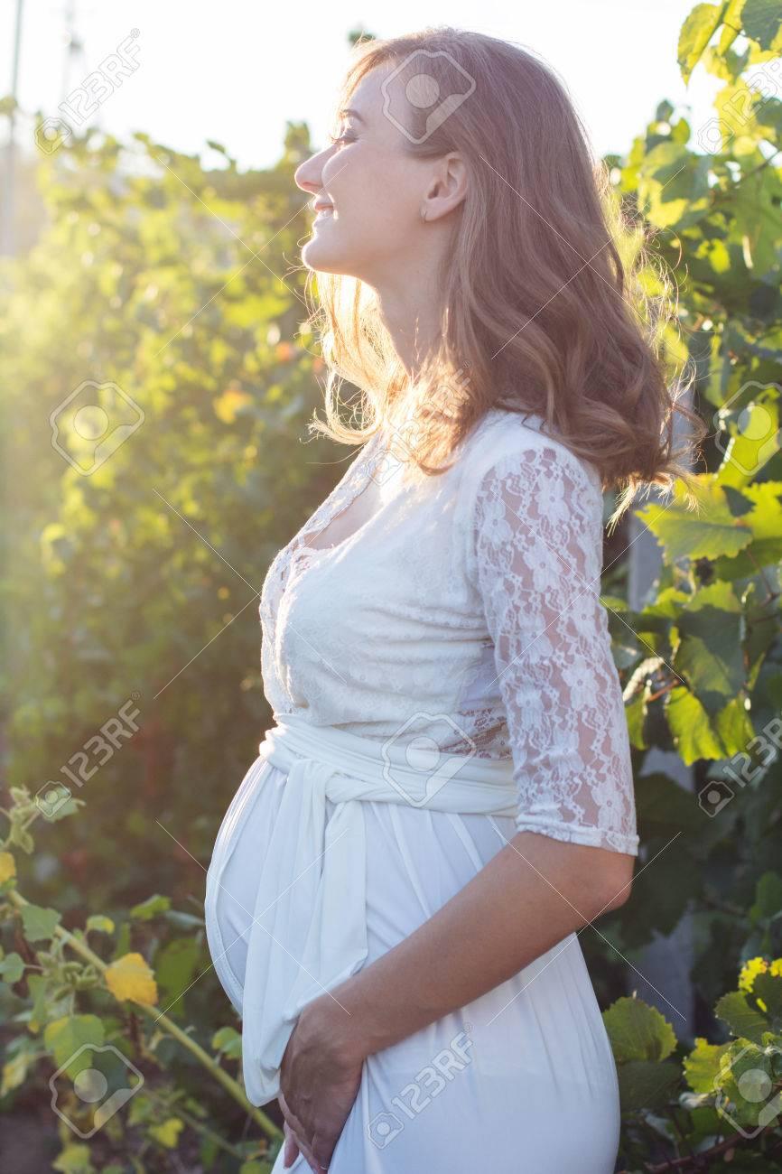Vestido encaje blanco embarazo