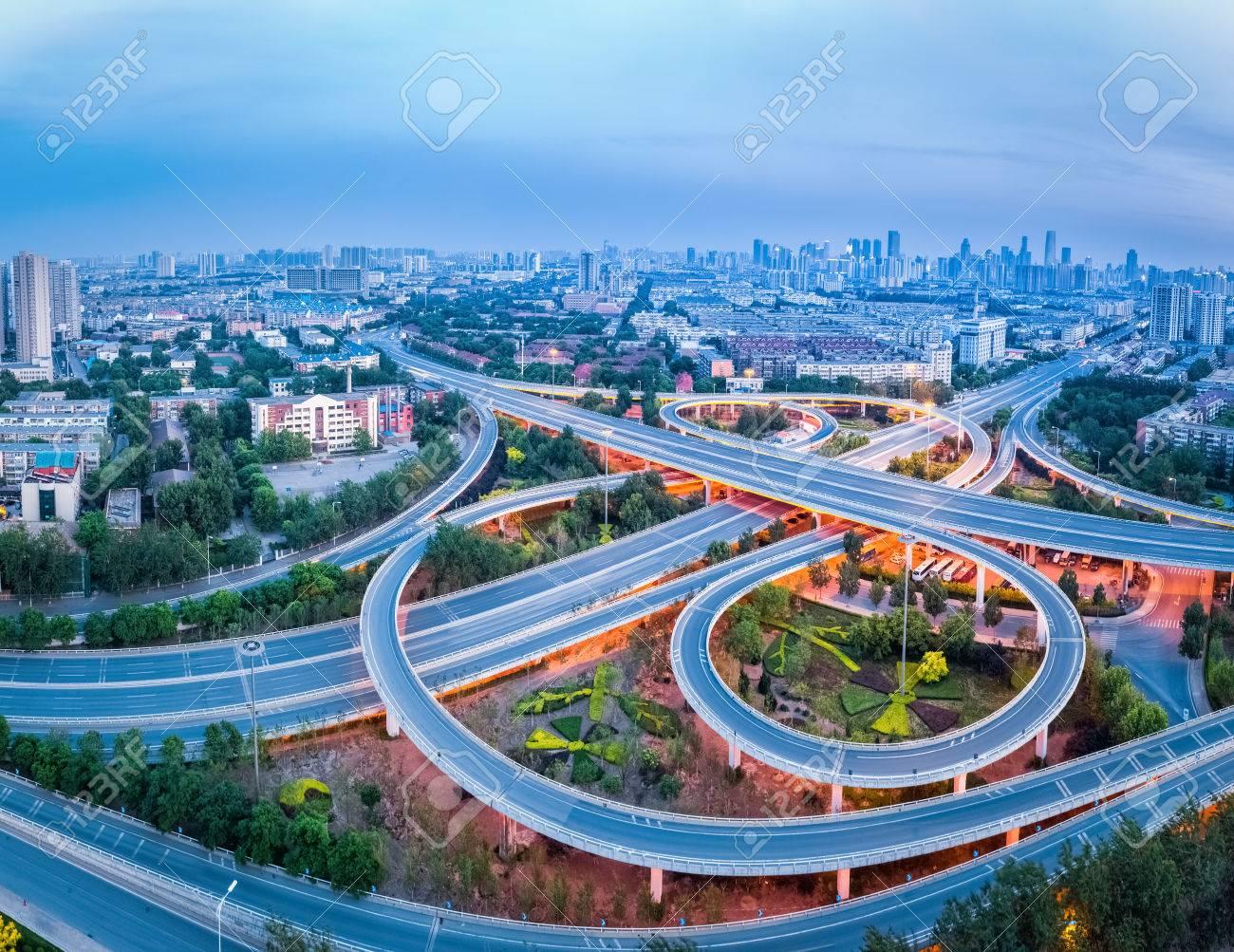 高速道路ジャンクションのパノラ...