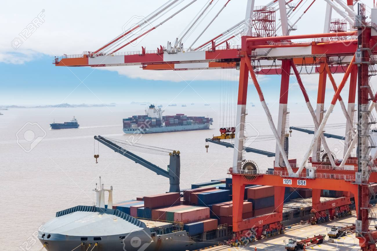 Harbor Freight Gantry Crane >> Container Gantry Crane In Shanghai Port Global Trade And Freight