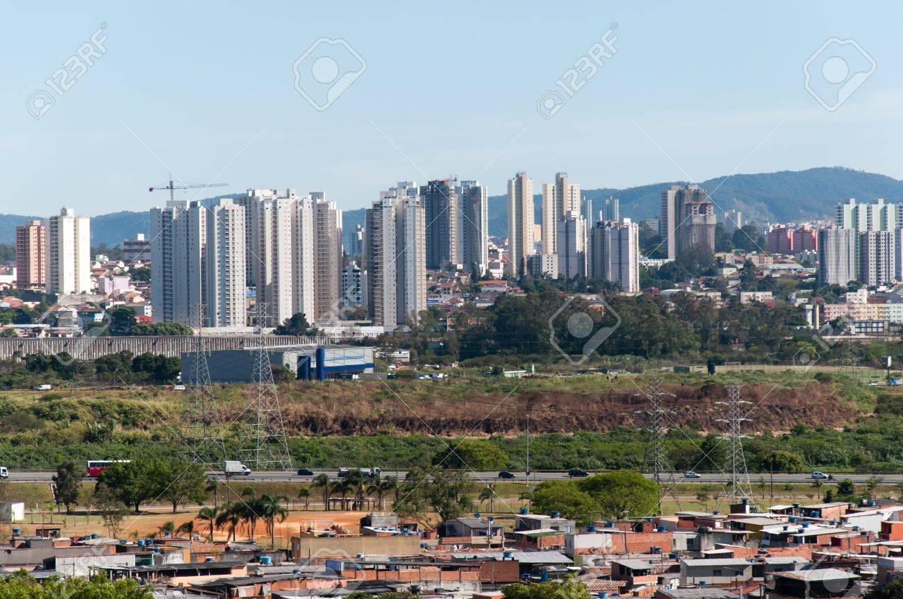 Guarulhos São Paulo fonte: previews.123rf.com