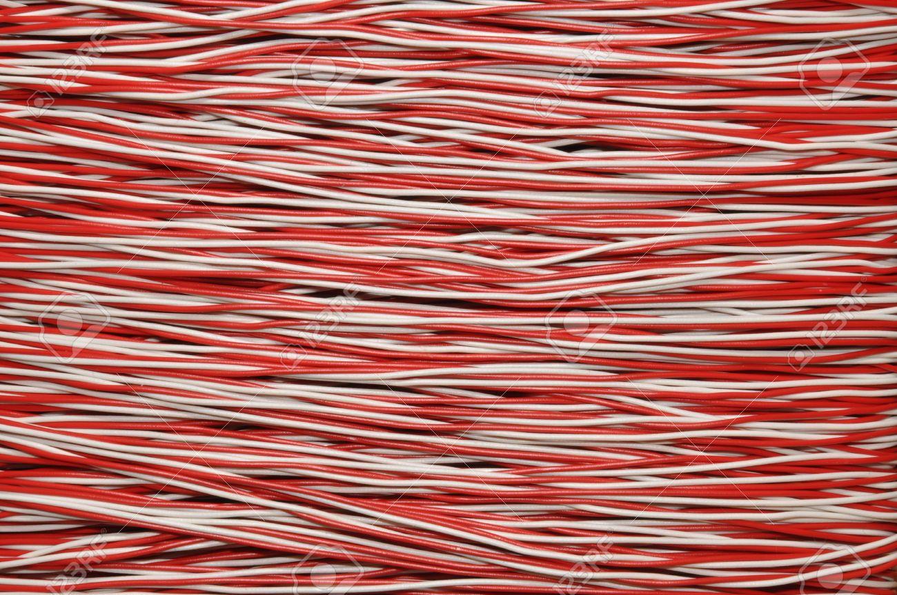 Rote Und Weiße Kupferkabel, Elektrische Draht Lizenzfreie Fotos ...
