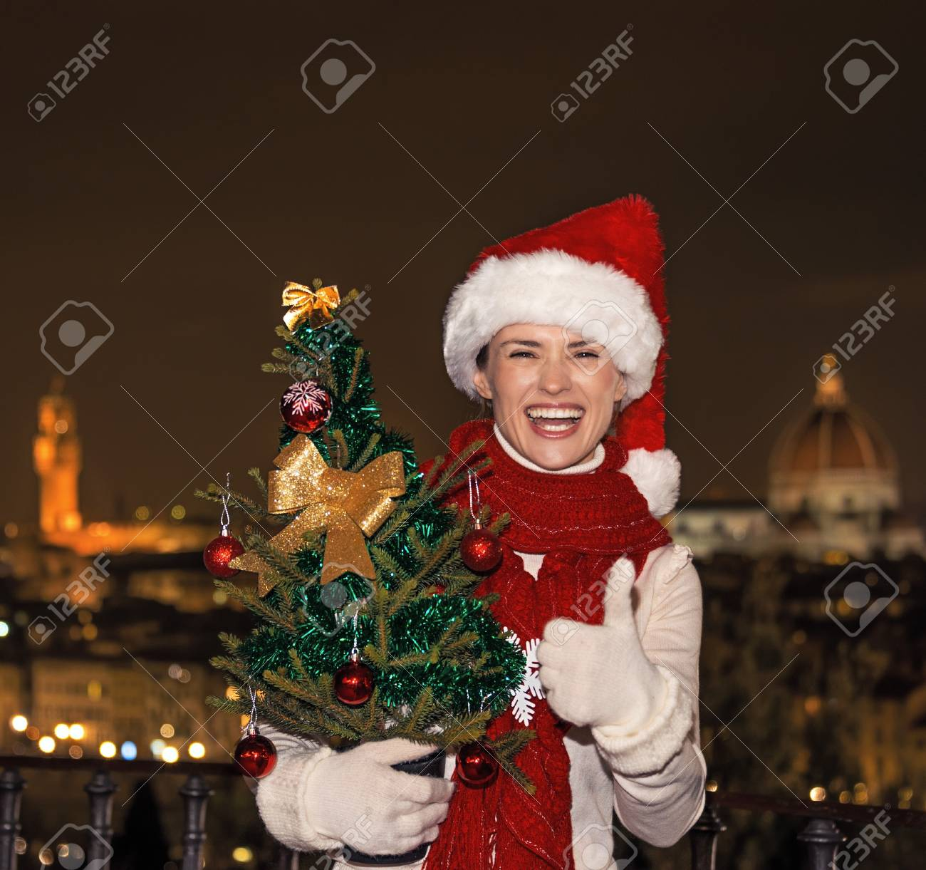 Trip Voller Inspiration In Der Weihnachtszeit In Florenz. Portrait ...