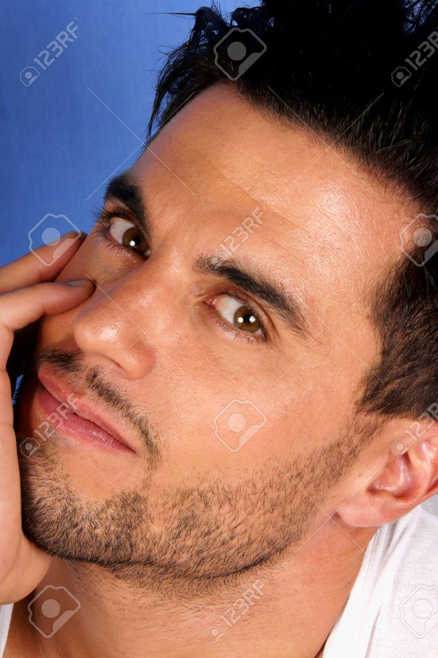 Braune männlich schwarze augen haare Blonde haare,