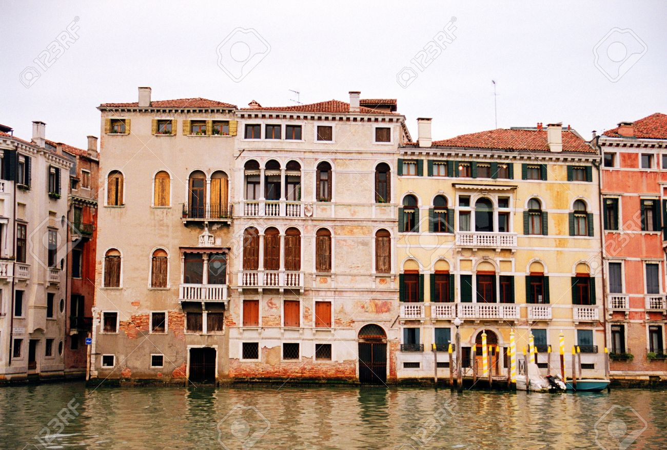 Historical buildings along Grand Canal of Venice, Italy Stock Photo -  14558962